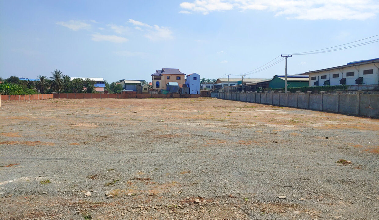 1.3 Hectares Potential Corner Land For Sale In Ta Khmau Img2