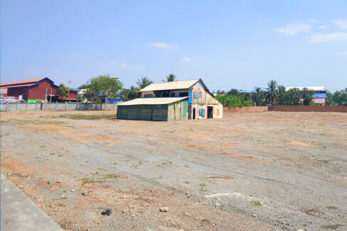 1.3 Hectares Potential Corner Land For Sale In Ta Khmau Img3