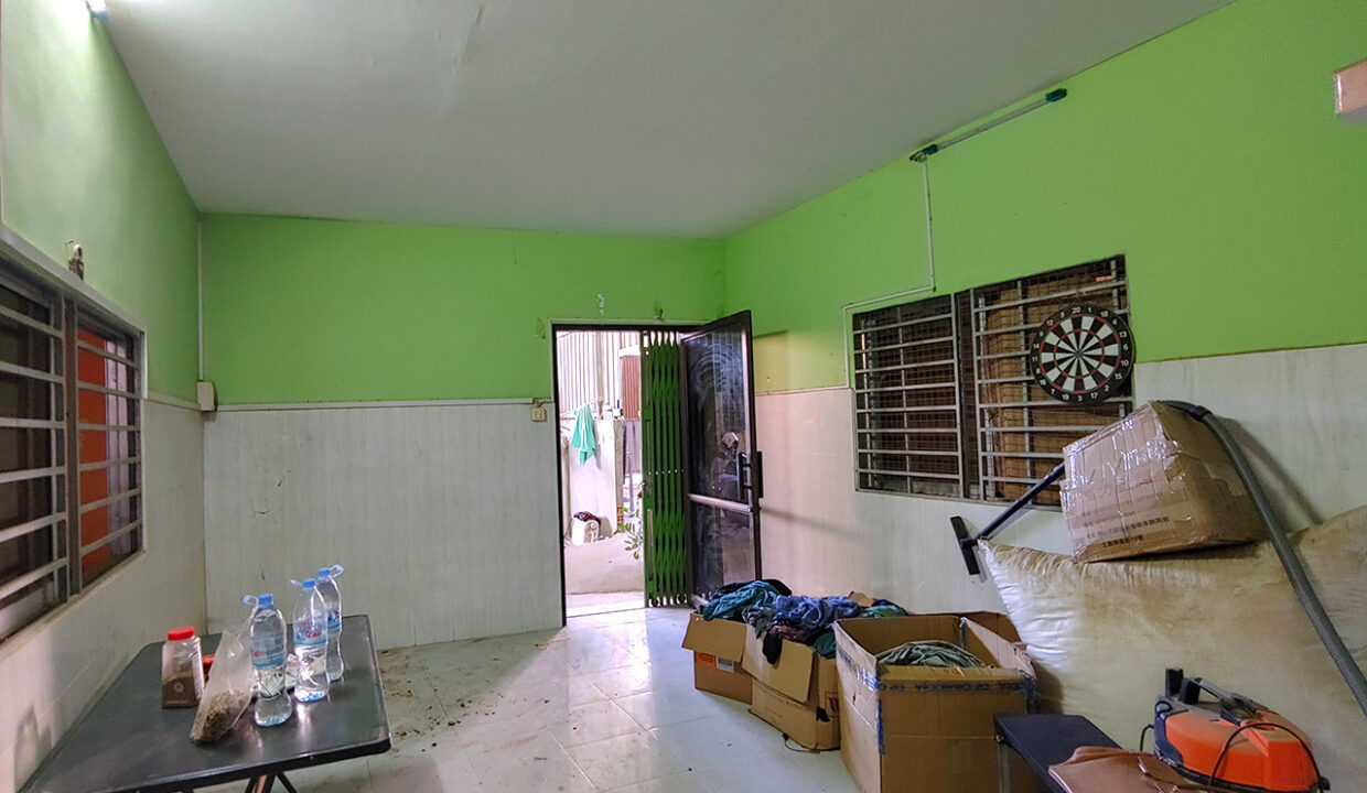 1000 Sq.m Warehouse For Rent In Sangkat Krang Thnong Img2