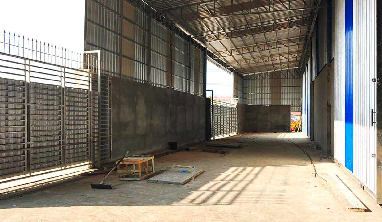 1300 Sq.m Warehouse For Rent In Phnom Penh Thmei Area Img2