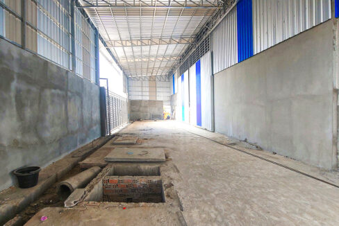 1300 Sq.m Warehouse For Rent In Phnom Penh Thmei Area Img3