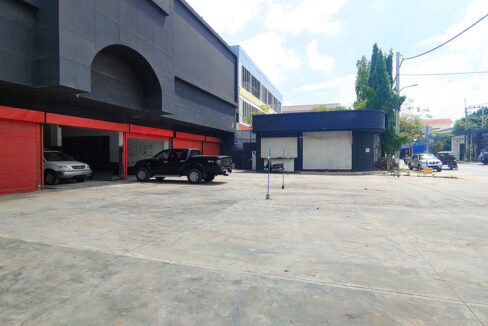 1350 Sq.m Business Warehouse For Rent Main Road, PP Thmei 1