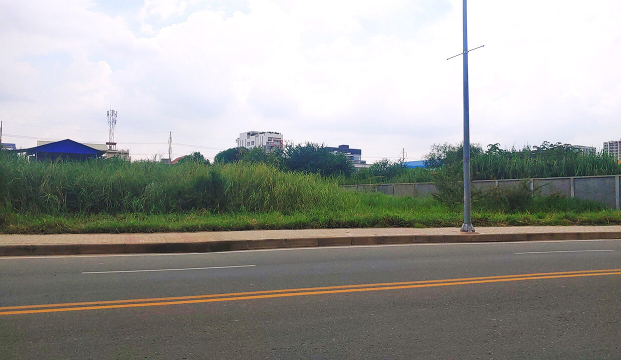 1792 Sq.m Commercial Land For Sale Face To Camko City 1