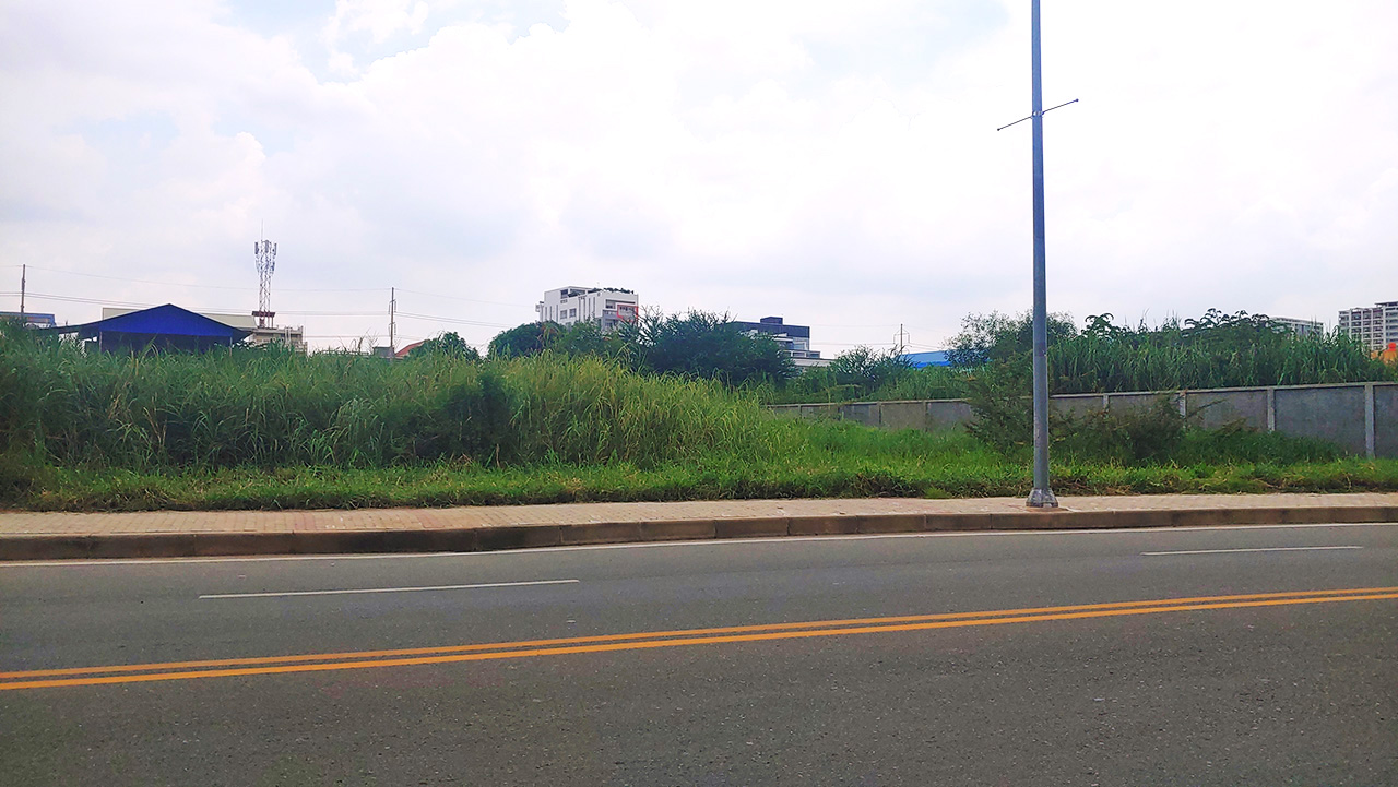 1792 Sq.m commercial land for sale face to Camko city