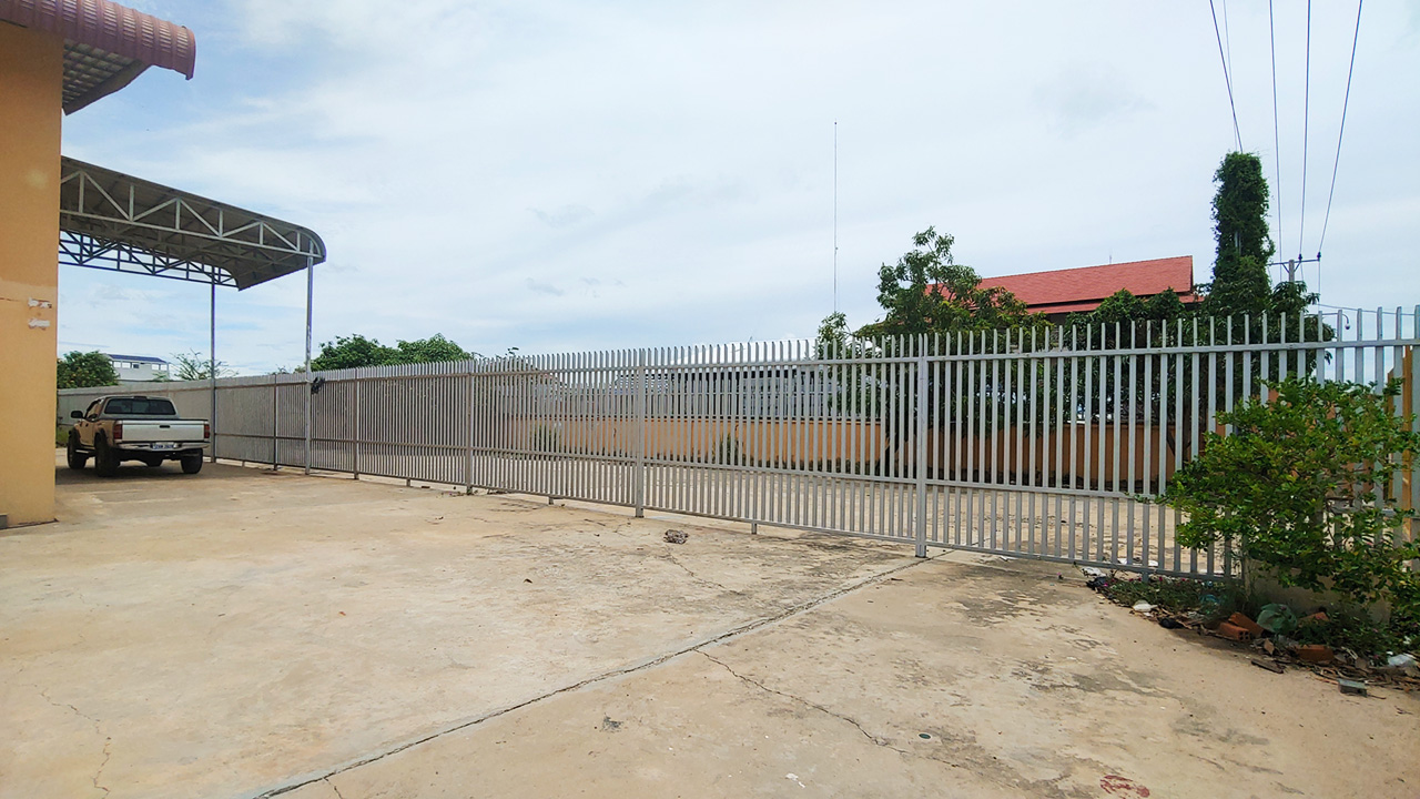 1955 Sq.m warehouse for rent in Sangkat Krang Thnong area