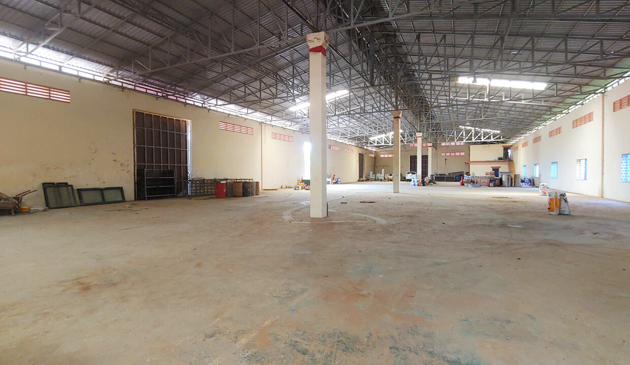 1955 Sq.m Warehouse For Rent In Sangkat Krang Thnong Area 5