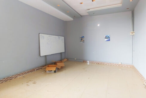 1955 Sq.m Warehouse For Rent In Sangkat Krang Thnong Area 7