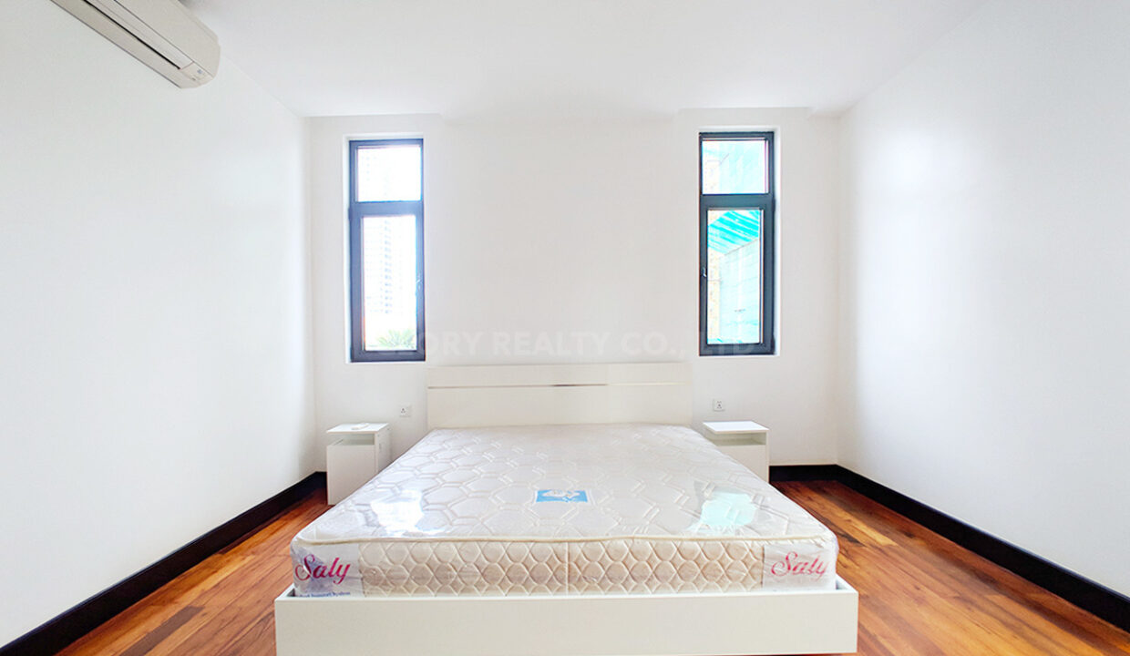 2 Beds With 3 Baths Condo For Urgent Sale In Daun Pen Area Img2