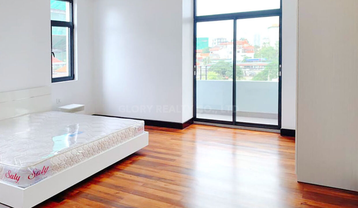 2 Beds With 3 Baths Condo For Urgent Sale In Daun Pen Area Img3
