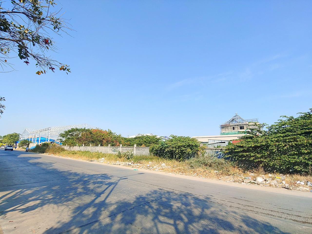 2100 m² land for rent along main road near AEON Mall 2