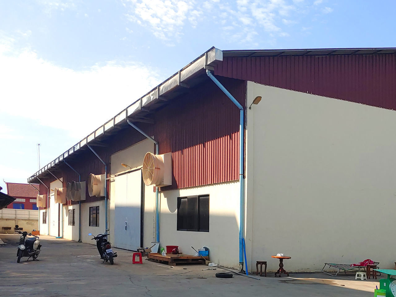 2241 Sq.m Land and warehouse for rent, main road near Makro