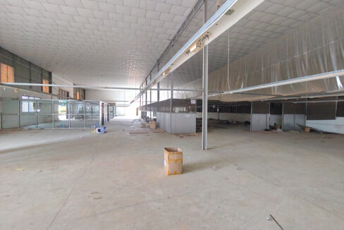 2241 Sq.m Land And Warehouse For Rent, Main Road Near Makro 5