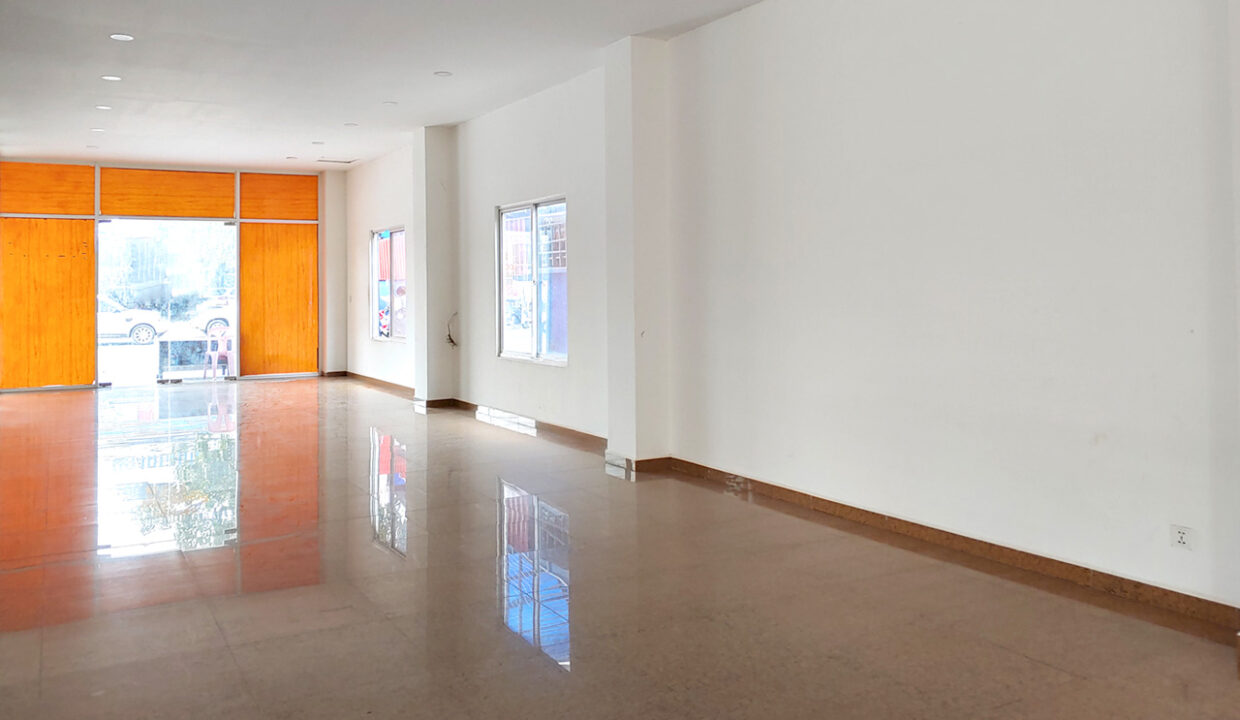 430 Sqm Retail:business Space For Rent Near IU 1