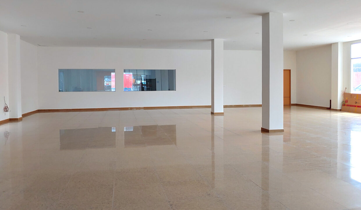 430 Sqm Retail:business Space For Rent Near IU 3