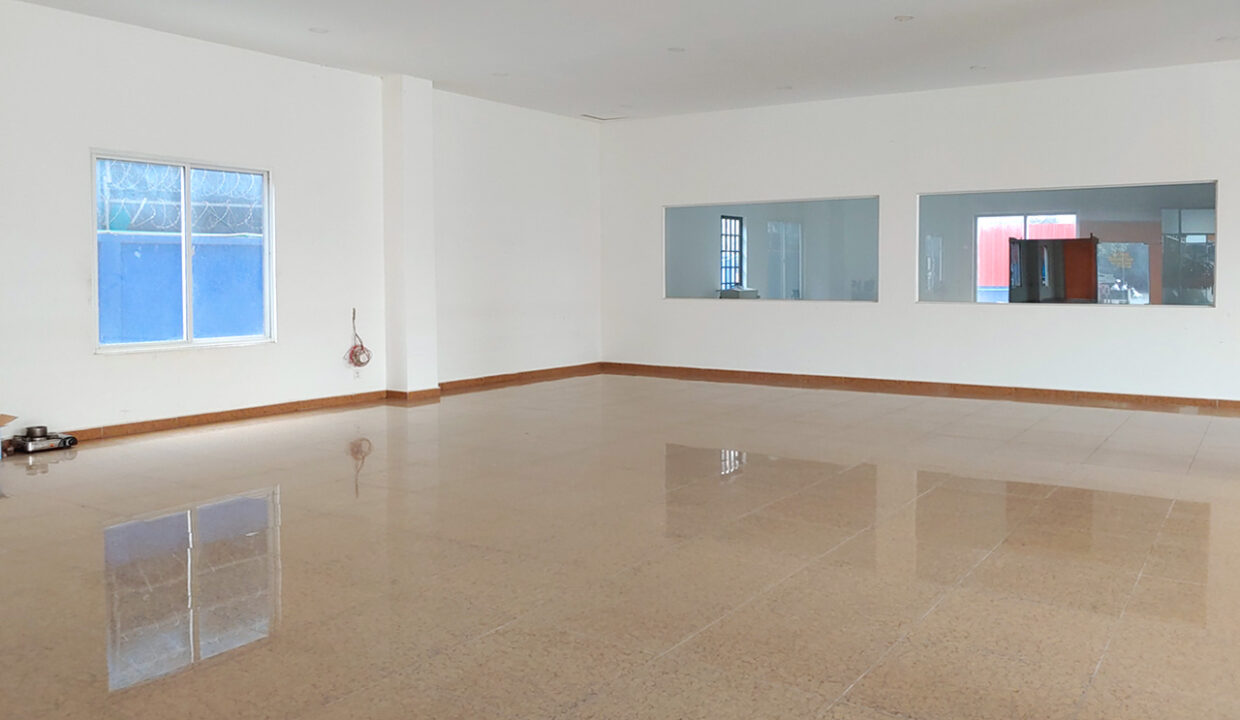430 Sqm Retail:business Space For Rent Near IU 4
