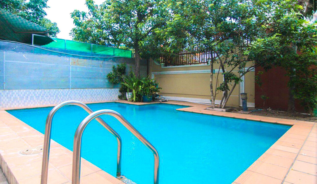 5 Bedrooms Villa With A Pool For Rent Toul Tum Poung 2 1