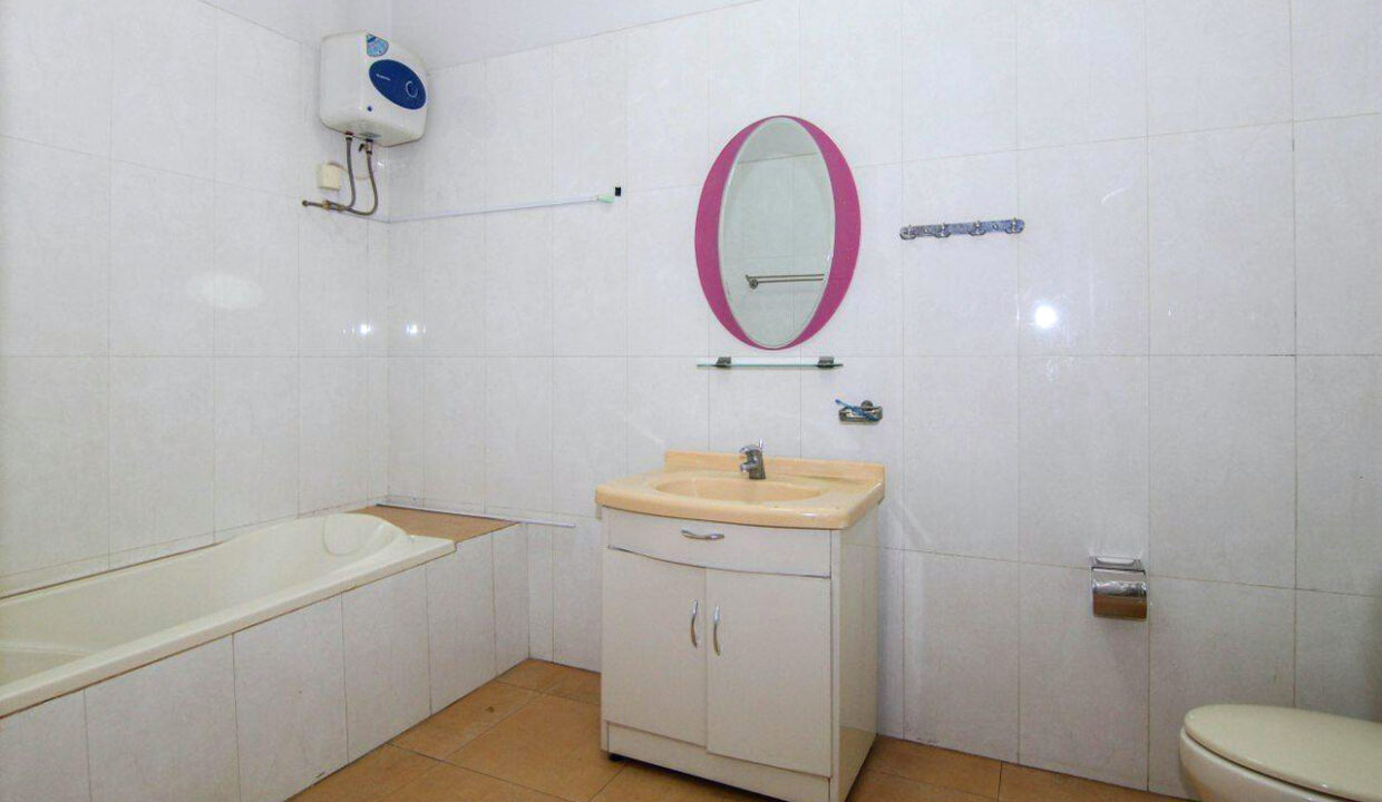 5 Bedrooms Villa With A Pool For Rent Toul Tum Poung 2 13
