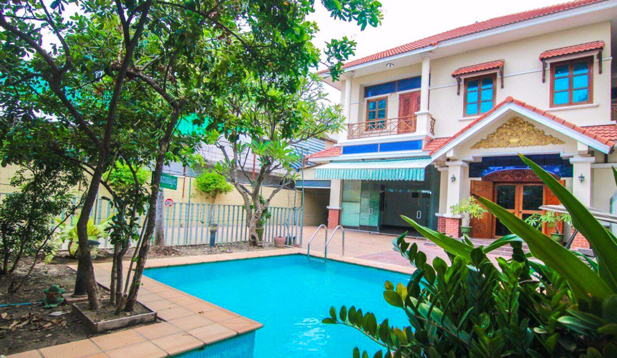 5 Bedrooms Villa With A Pool For Rent Toul Tum Poung 2 2
