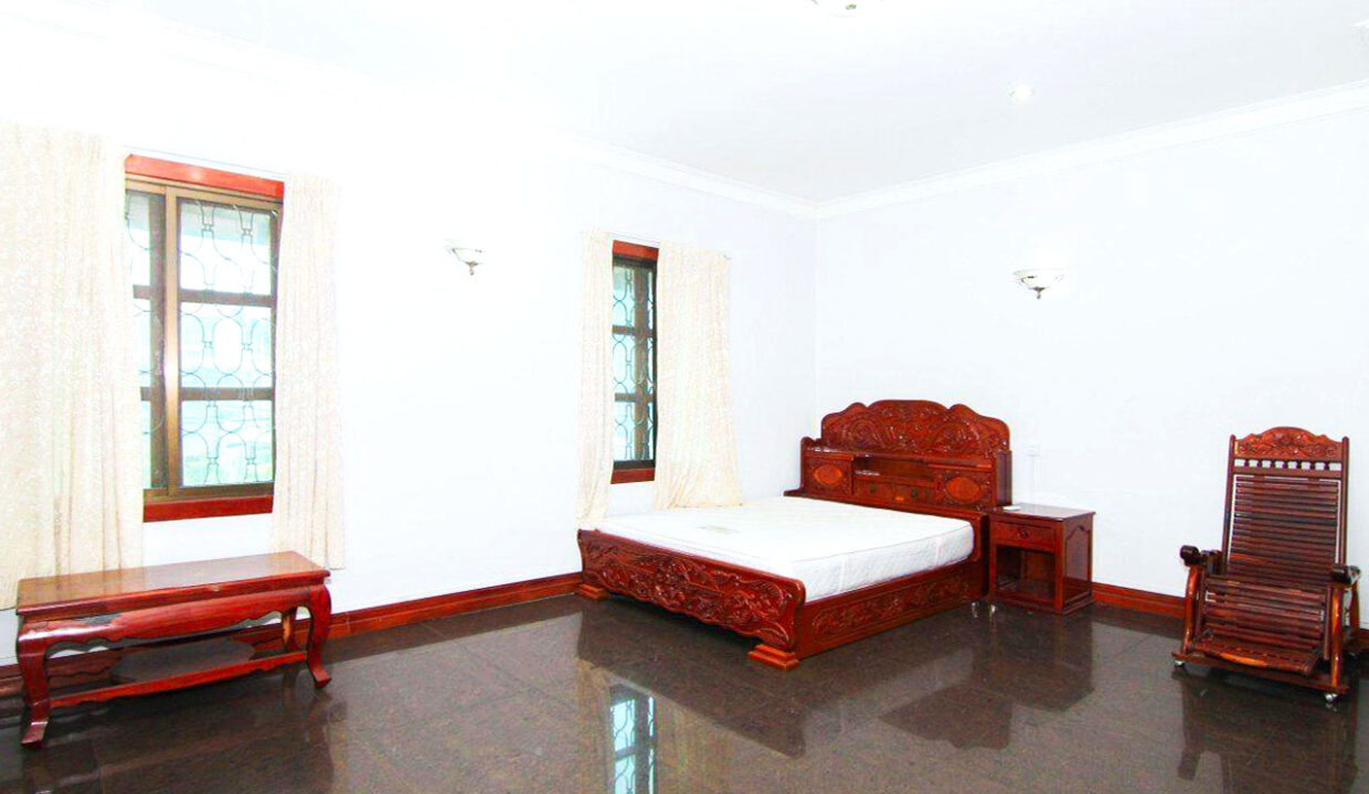 5 Bedrooms Villa With A Pool For Rent Toul Tum Poung 2 9
