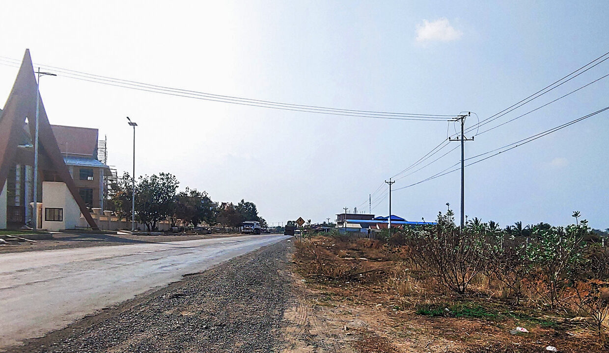 7.9 Ha Land For Sale 4 Kilometers From Krong Chbar Mon Img3