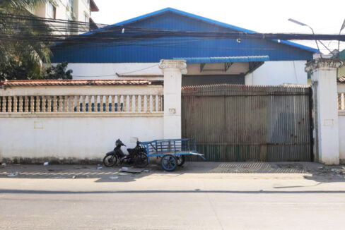 735 Sq.m Warehouse For Rent Phsar Daeum Thkov Area 1