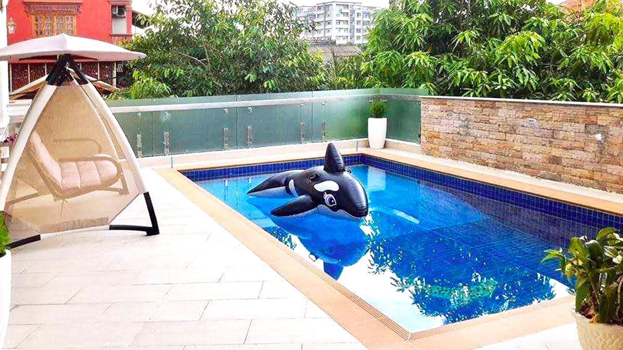 9 bedrooms with pool for rent in Toul Kork area