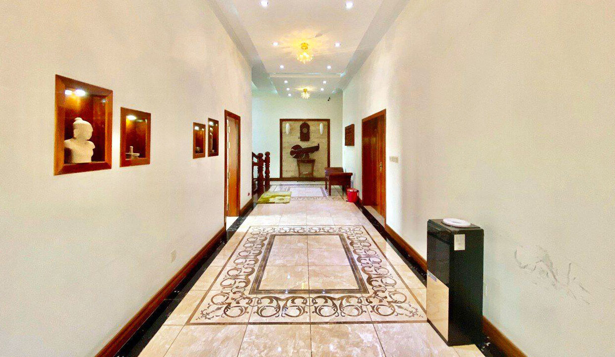 9 Bedrooms With Pool For Rent In Toul Kork Area 4