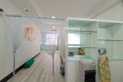 A Stunning 68 Sq.m Office Space For Rent In BKK 1 Img1