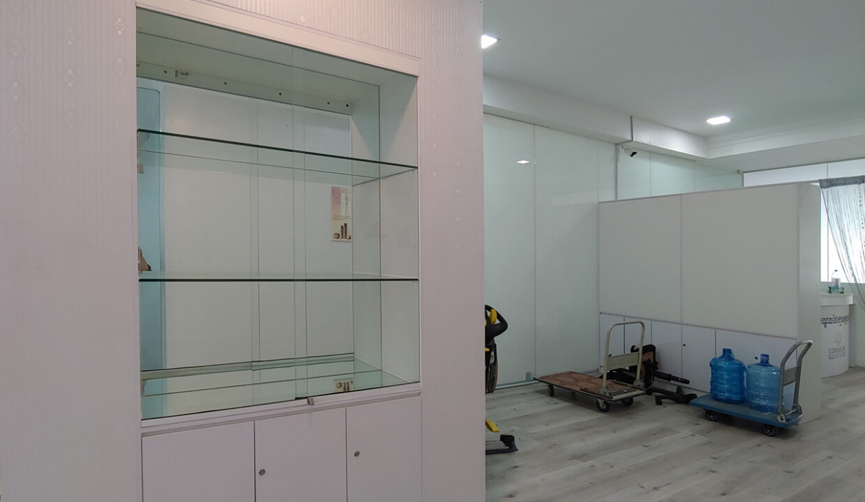 A Stunning 68 Sq.m Office Space For Rent In BKK 1 Img2
