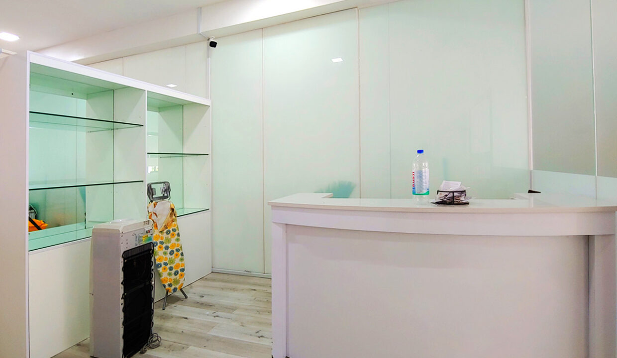 A Stunning 68 Sq.m Office Space For Rent In BKK 1 Img8