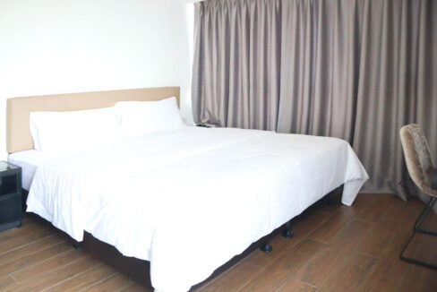Amazing 1 Bed Condo With Pool For Rent Tonle Bassac 3