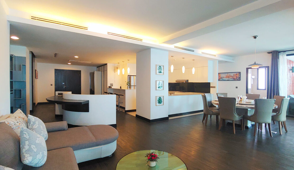 Beautiful 4 Beds Penthouse Apartment For Rent In Tonle Bassac Area 1