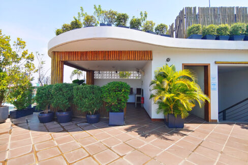 Beautiful 4 Beds Penthouse Apartment For Rent In Tonle Bassac Area 10