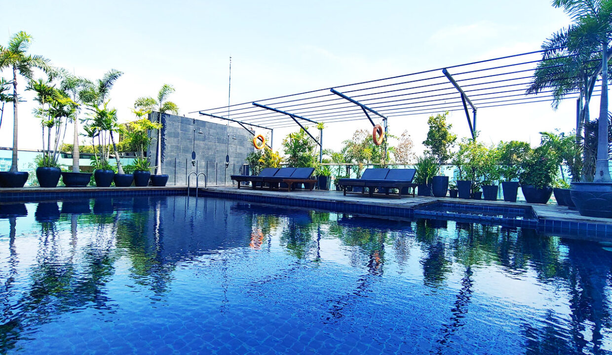 Beautiful 4 Beds Penthouse Apartment For Rent In Tonle Bassac Area 12