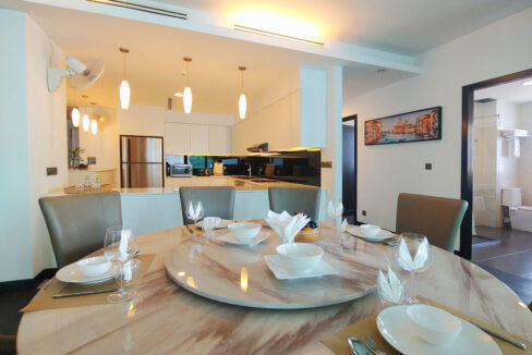 Beautiful 4 Beds Penthouse Apartment For Rent In Tonle Bassac Area 4