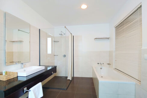 Beautiful 4 Beds Penthouse Apartment For Rent In Tonle Bassac Area 7