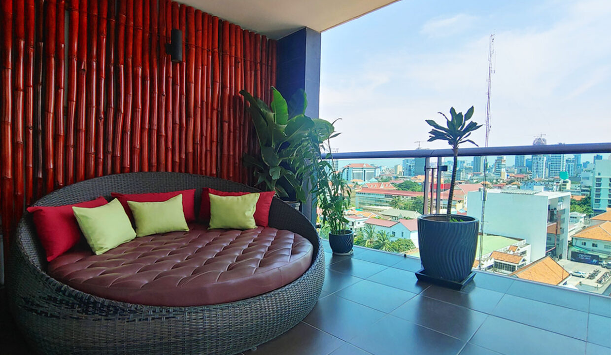 Beautiful 4 Beds Penthouse Apartment For Rent In Tonle Bassac Area 8