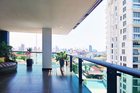 Beautiful 4 Beds Penthouse Apartment For Rent In Tonle Bassac Area 9