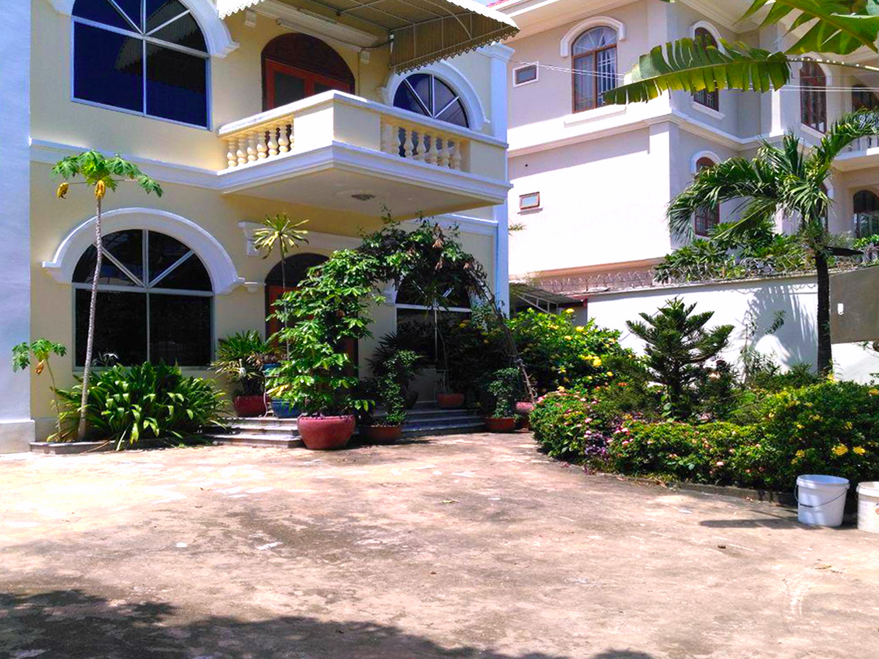Beautiful garden with pool villa for rent in Toul Kork