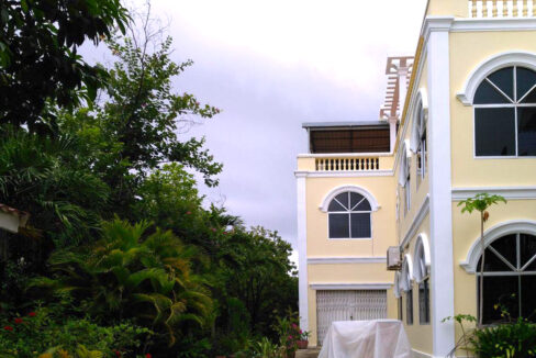 Beautiful Garden With Pool Villa For Rent In Toul Kork Img3