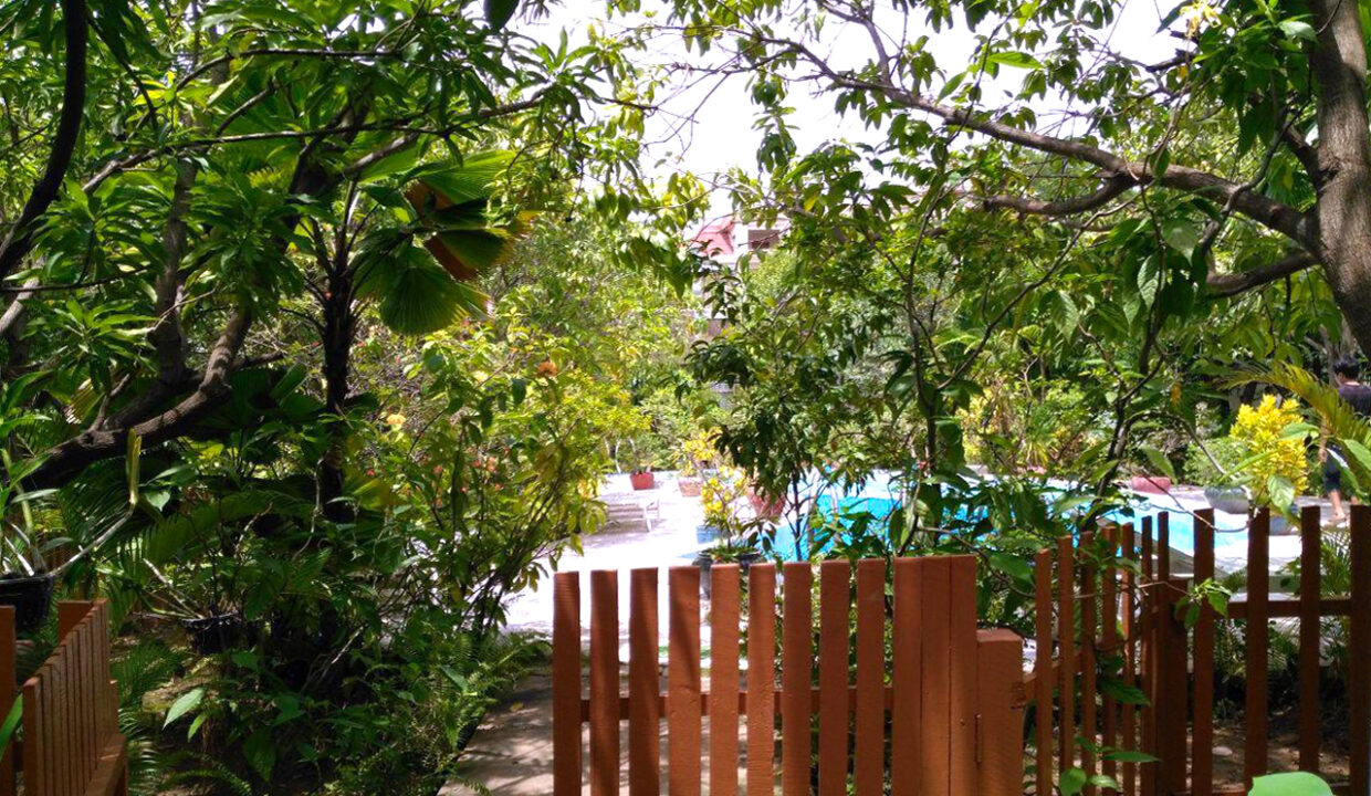 Beautiful Garden With Pool Villa For Rent In Toul Kork Img7