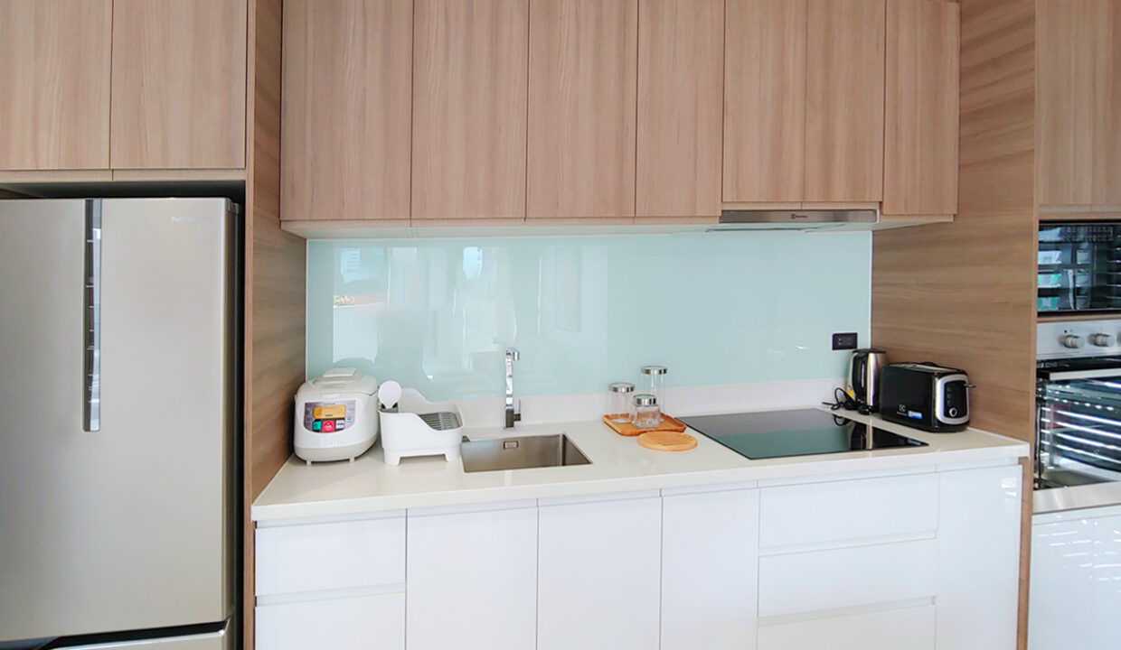 Brand New 2 Bedrooms Apartment Unit For Rent In BKK 1 Area Img3