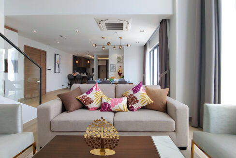 Brand New 4 Bedrooms Apartment Unit For Rent In BKK 1 Area Img1