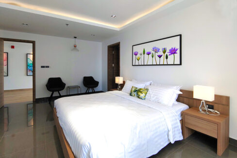 Brand New 5 Bedrooms Apartment Unit For Rent In BKK 1 Area 1