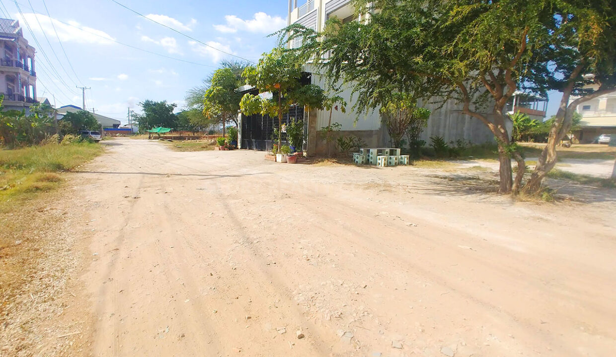 Land For Sale Very Urgent In Front Of GLOBAL And AEON 2 Img1
