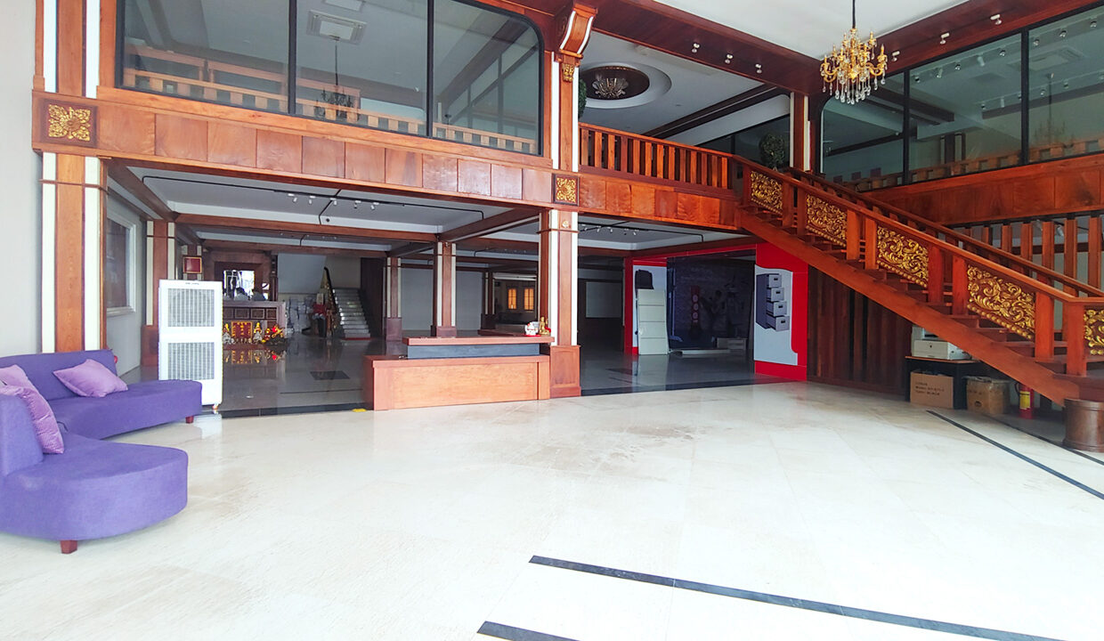 Retail Or Business Space For Rent Main Road BKK1 1
