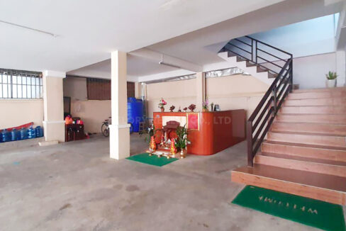 10 Beds Whole Apartment For Rent @ Toul Kork Area Img6
