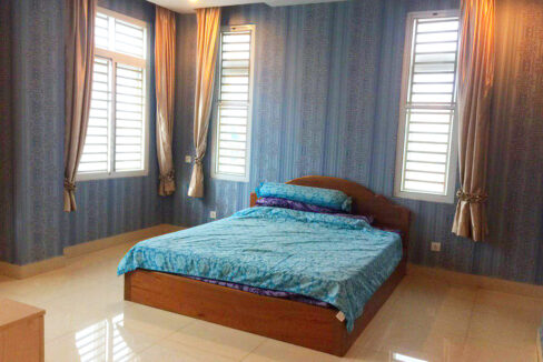 10 Room Whole Apartment For Rent @ Boeung Trabaek Area Img1
