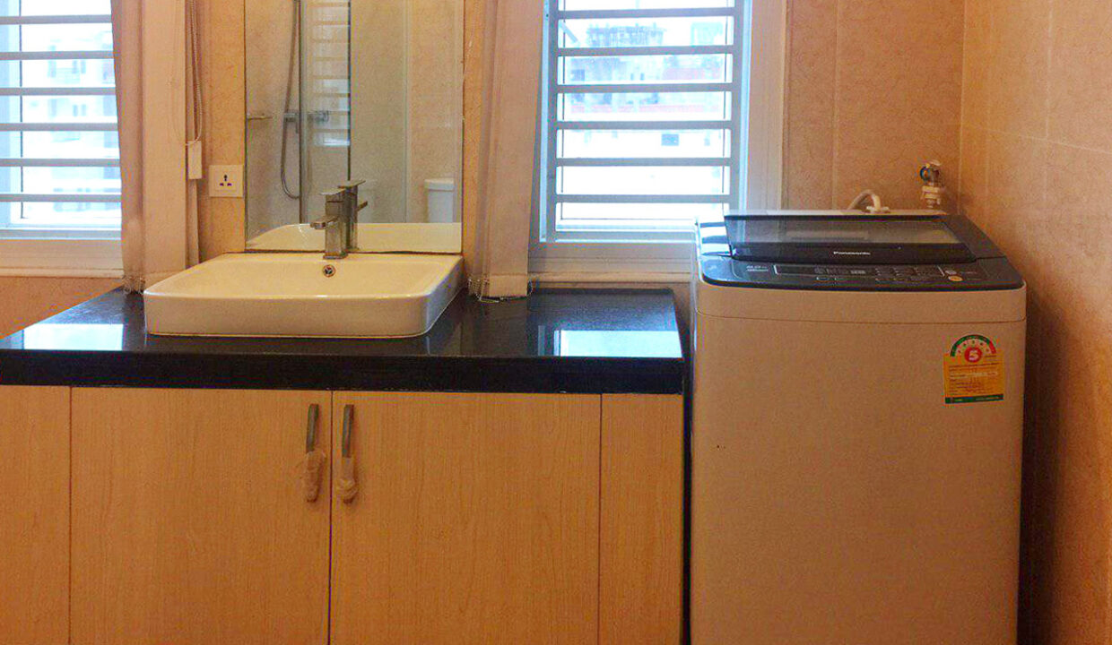10 Room Whole Apartment For Rent @ Boeung Trabaek Area Img6