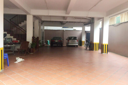 10 Room Whole Apartment For Rent @ Boeung Trabaek Area Img8